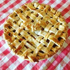 Canadian Thanksgiving Homemade Apple Pie  #thanksgiving #happythanksgivingcanada #homemadepie #pie #applepie #apple #homemade #bakedgoods #baking #bakinglovers #chef #food #foodporn #explore #picoftheday