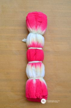 Accordion Folded Stripe Pattern Tie Dye Technique #tiedyeyoursummer #michaelsmakers
