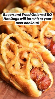 Hot Dogs, Hot Dog Buns, Crispy Onions, Fried Onions, Bbq Bacon, Turkey Bacon, Chili Dogs, Hot Dog Recipes, Sandwich Recipes