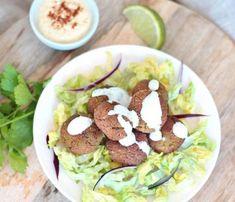 Bien croustillants et dorés à l'extérieur, tendres et moelleux à l'intérieur ces falafels au four vegan et sans gluten sont un vrai régal.