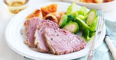 Taste member, slow cooker corned beef is a deliciously easy dinner recipe. Save some of the meat for sandwiches… Slow Cooker Corned Beef, Corned Beef Recipes, Slow Cooker Recipes, Cooking Recipes, Slow Cooking, Crockpot Recipes, Corned Silverside Slow Cooker, Healthy Cooking, Meat Recipes