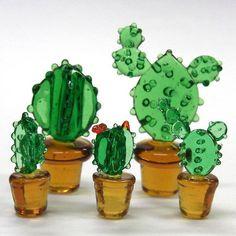 """柱サボテン S 花 ガラス細工 雑貨 置物 /【Buyee】 """"Buyee"""" 日本の通販商品・オークションの代理入札・代理購入 Fused Glass Ornaments, Fused Glass Art, Glass Fusion Ideas, Glass Cactus, Glass Art Design, Cd Crafts, Stained Glass Crafts, Cactus Decor, Catus"""