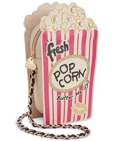 Betsey Johnson Popcorn Crossbody - All Handbags - Handbags & Accessories - Macy's 🌞 ⛅🌟 fσℓℓσω мє for more! Unique Purses, Unique Bags, Cute Purses, Pink Handbags, Purses And Handbags, Mode Kawaii, Betsey Johnson Handbags, Novelty Bags, Pink Shoulder Bags