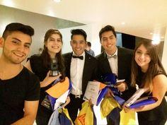 Selfie con los ganadores de Cortometraje Pide un deseo bajo la dirección de Daniela Cornejo