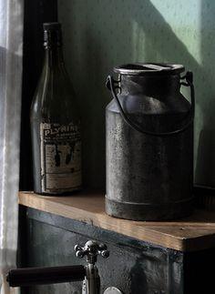 mill worker's kitchen by werewegian on Flickr.