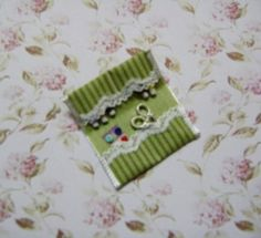 how to: tiny sewing kit