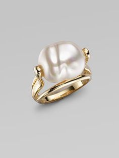 Want it - Majorica - White Baroque Pearl Ring Pearl Jewelry, Gold Jewelry, Jewelry Box, Jewelry Rings, Jewelry Accessories, Jewelry Design, Pearl Rings, Pearl Bracelets, Pearl Necklaces