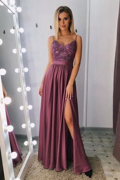 Classic A-line spaghetti straps split prom dresses long with lace bodice € - SchickeAbendKleider.de - Classic A-line spaghetti straps split prom dresses long with lace bodice - Split Prom Dresses, Prom Party Dresses, Occasion Dresses, Women's Dresses, Evening Dresses, Dress Prom, Elegant Dresses, Long Dresses, Purple Prom Dresses