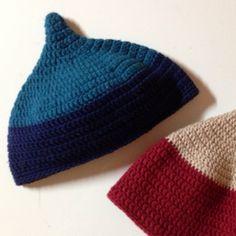 かぎ針編みで編む、赤ちゃんのどんぐり帽子てっぺんのとんがりがキュート❤︎