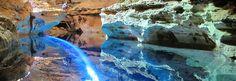 Chapada Diamantina:  um lugar com beleza indescritível, comporta mata atlântica, cerrado, grutas, cachoeiras maravilhosas, desfiladeiros, paredões, rios... são tantos lugares que fica difícil saber por onde começar. Além disso, são várias opções de trilhas para todos os níveis de dificuldade.