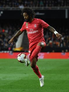 Marcelo Vieira of Real Madrid CF runs with the ball during the La Liga match between Valencia CF and Real Madrid CF at Estadio Mestalla on April 2019 in Valencia, Spain. Get premium, high resolution news photos at Getty Images Marcelo Real, David Ramos, Real Madrid Club, Sports Celebrities, Valencia Spain, Sport Football, Chelsea, Running, Soccer Photography