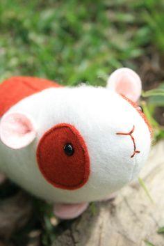 Elliot (Guinea Pig) : PDF mini sewing pattern. Guinea pig sewing pattern, guinea pig softie, plush guinea pig, felt guinea pig
