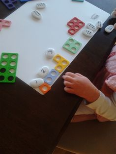 ponderings, possibilities and provocations: numicon. I like the dots on the pebbles. Early Years Maths, Early Math, Learning Numbers, Math Numbers, Numicon Activities, Numeracy, Key Stage 1 Maths, Maths Eyfs, Forest School Activities