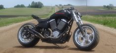 Coming or Going, Brad Rosenow's 'Mayhem Remix Rev. A' Shows You a 250mm Tire : '01 Victory Motorcycle