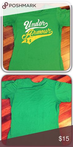 Under Armour HeatGear Graphic Tee Women's Under Armour HeatGear Graphic Tee. Green & Yellow, Size Small. Pre-Loved & in Excellent Condition!!  ** Free Under Armour Headband w/ Every UA Purchase While Supplies Last!!! **  ✨ Special Repeat Customer Discount Available!!! ✨ Under Armour Tops Tees - Short Sleeve