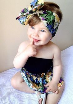 The drees and bow 😍 Cute Baby Girl, Cute Babies, Baby Kids, Baby Boy, Fashion Kids, Baby Girl Fashion, Beautiful Children, Beautiful Babies, Baby Pictures
