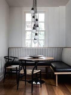 Super Ideas For Breakfast Nook Banquette Small Dining Banquette D Angle, Banquette Seating In Kitchen, Small Kitchen Tables, Kitchen Benches, Dining Nook, Small Dining, Dining Room Design, Kitchen Dining, Kitchen Decor