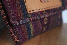 Τσάντα Large Clutch από υφαντό από την Ταϊλάνδη που συνδυάζει το  bohemian με το ethnic στυλ.  Ethnic Clutch Bag #Boho Handwoven Clutch #Tribal Large Clutch Bag #Thai Clutch Bag #Oversized Clutch #Aztec Bag Aztec Bag, Large Clutch Bags, Oversized Clutch, Fabric Bags, Hand Weaving, Trending Outfits, Unique Jewelry, Handmade Gifts, Boho