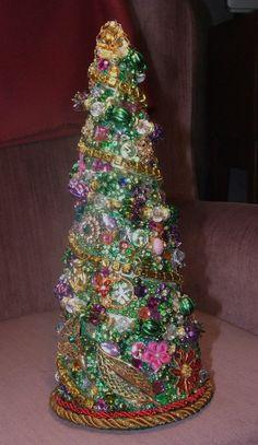 Mardi Gras Rhinestone Jewelry Tree by sonyaart on Etsy Christmas Minis, Vintage Christmas, Christmas Holidays, Holiday Style, Holiday Fashion, Christmas Tree Costume, Jeweled Christmas Trees, Jewelry Tree, Rhinestone Jewelry