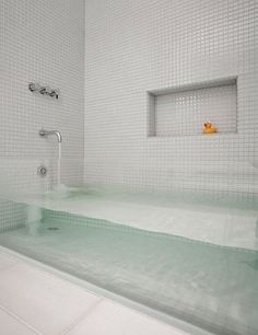 sternmccafferty custom glass bathtub - contemporary - bathroom - boston - by Stern McCafferty. Love this tub! Glass Bathtub, Deep Bathtub, Glass Shower, Custom Glass, Beautiful Bathrooms, Luxurious Bathrooms, My Dream Home, Dream Homes, Modern Bathrooms