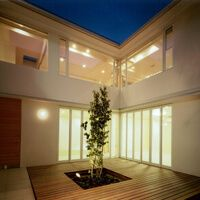 中庭のある家 中庭で遊ぶ光と風 アーキッシュギャラリー