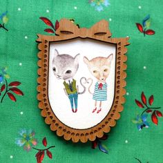 Love Cats in Brown Bow Frame Wooden Brooch