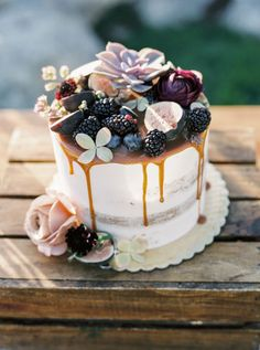 romantic fruit succulent drip small wedding cake | Photography: Betsy Blue