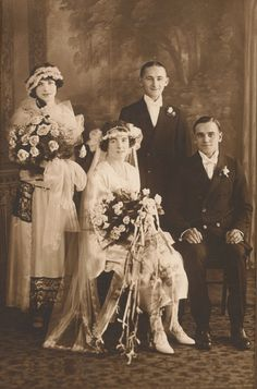 Vintage Wedding Photo, Bride in Gown and Veil, Huge Rose Bouquets