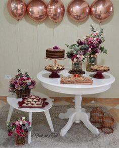 Birthday Party Decorations, Birthday Parties, Wedding Decorations, Table Decorations, Girl Birthday, Happy Birthday, Photo Booth Backdrop, Ideas Para Fiestas, Fiesta Party