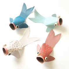 Paper Tube Koi Fish — ART CAMP - Life is an echo, what you send out comes back. – Chinese Proverb T minus 21 days until Valentines - Toddler Crafts, Diy Crafts For Kids, Fun Crafts, Arts And Crafts, Diy With Kids, Paper Fish, Toilet Paper Roll Crafts, Fish Art, Fish Fish