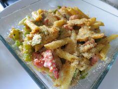 Macarrão no forno com salsicha fresca #receita #fitness #dieta