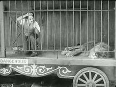 Esto es un ejemplo de musica no diegética de Charle Chaplin, ya que no se ve de donde procede la música.