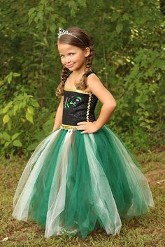 I AM CLOSED TO ALL TUTU COSTUME ORDERS THAT ARE NEEDED FROM NOW UNTIL AFTER HALLOWEEN! YOU CAN STILL ORDER IF ITEM IS NEEDED AFTER THE 31ST