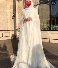 Muslimah Wedding Dress, Wedding Dressses, Disney Wedding Dresses, Hijab Bride, Muslim Brides, Pakistani Wedding Dresses, Dress Muslimah, Muslim Couples, Bridal Gowns