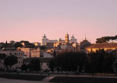 Scoprire l' #Aventino a #Roma con una visita guidata ed un buono sconto! Vista sul Circo Massimo dall'Aventino Fonte L'Asino  d'Oro http://www.ilturistainformato.it/2014/07/09/aventino-cosa-visitare/