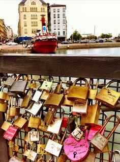 Love locks in Katajanokka, Helsinki, photo by kertavalotus.blogspot.com