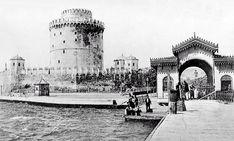 Ο Λευκός Πύργος το 1907. Διακρίνεται η αψίδα που τον χώριζε από την ξύλινη αποβάθρα που κατασκευάστηκε για να καλύψει τις ανάγκες της ναυσιπλοΐας. Η ξύλινη αποβάθρα διατηρήθηκε και μετά την πτώχευση της εταιρίας ναυσιπλοΐας Θερμαϊκού.