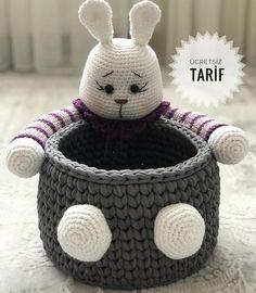 Tarifin devamı için yana kaydırın👉🏼👉🏼 🐰💕 Ördüklerinizi g … - Mein Stil Crochet Bowl, Crochet Bunny, Crochet Beanie, Thread Crochet, Free Crochet, Crochet Patterns Amigurumi, Amigurumi Doll, Amigurumi Tutorial, Crochet Storage