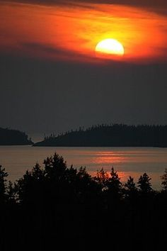 Lake Superior Sunset in Pukaskwa National Park near Marathon, Ontario