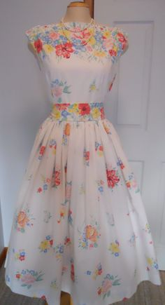 Vintage sheet dress, it feels like this isnt 100% my liking, but i like the top half.