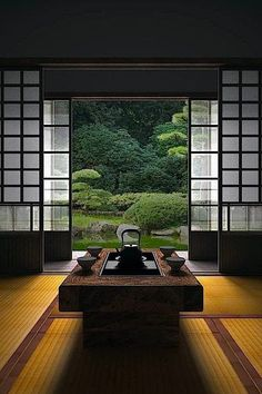 """シンメトリー。かっこいい。 thekimonogallery: """" Japanese room, Washitsu 和室 """""""