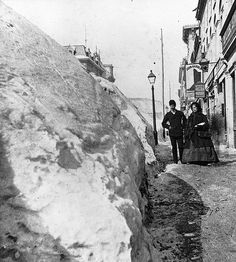 Snow banks on McGill Street, Montreal, QC, 1869 Old Montreal, Montreal Ville, Montreal Quebec, Quebec City, Old Pictures, Old Photos, Canada Snow, Photo Vintage, Vintage Photos