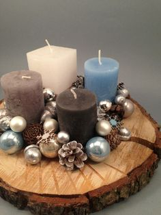 Make your own Advent wreath - 4 simple instructions with tips + 115 unusual ., Tinker advent wreath yourself - 4 simple instructions with tips + 115 unusual and traditional ideas - home ideas and decoration Tinker advent wreath y. Centerpiece Christmas, Winter Centerpieces, Christmas Candles, Winter Christmas, Christmas Time, Christmas Decorations, Table Decorations, Christmas Wreaths To Make, All Things Christmas