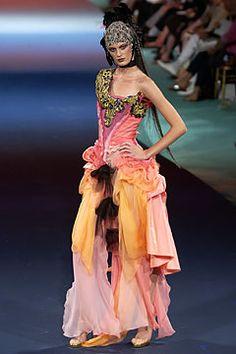 Christian Lacroix Autumn/Winter 2003-4 Couture