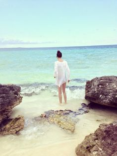 Inspiração: Fotos TUMBLR na Praia Sozinha | BLOG PEQUENAS INFINIDADES #fotostumblr #fotosnapraia #fotostumblrnapraia #tumblrbeach #beach #inspiraçãofotosnapraia #praia #tumblr #tumblrgirl