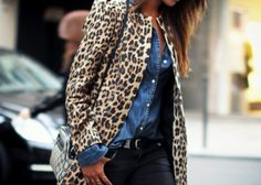 Leopard paired with a chambray denim shirt. This is a perfect fall look.