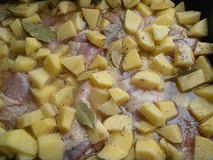 Pulpe de pui cu cartofi la cuptor - CAIETUL CU RETETE Hawaiian Pizza, Food, Essen, Meals, Yemek, Eten