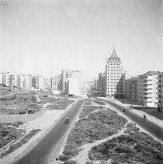 Pr. de Londres e Av. de Roma em construção, Lisboa, c. 1950. Judah Benoliel, in AFCML.