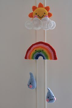 toy parachute diy and more – Kids' Playground . Rainbow Crochet, Crochet Baby, Knit Crochet, Amigurumi Patterns, Crochet Patterns, Hobbies For Kids, Crochet Decoration, Barbie Patterns, Baby Rattle