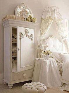 Great 40+ Romantic Shabby Chic Bedroom Decor and Furniture Ideas https://modernhousemagz.com/40-romantic-shabby-chic-bedroom-decor-and-furniture-ideas/